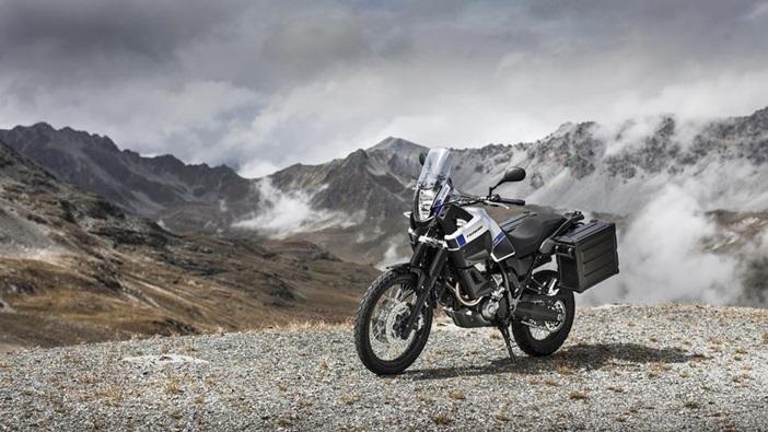 2015-Yamaha-XT660Z-Tenere-EU-Race-Blu-Static-003