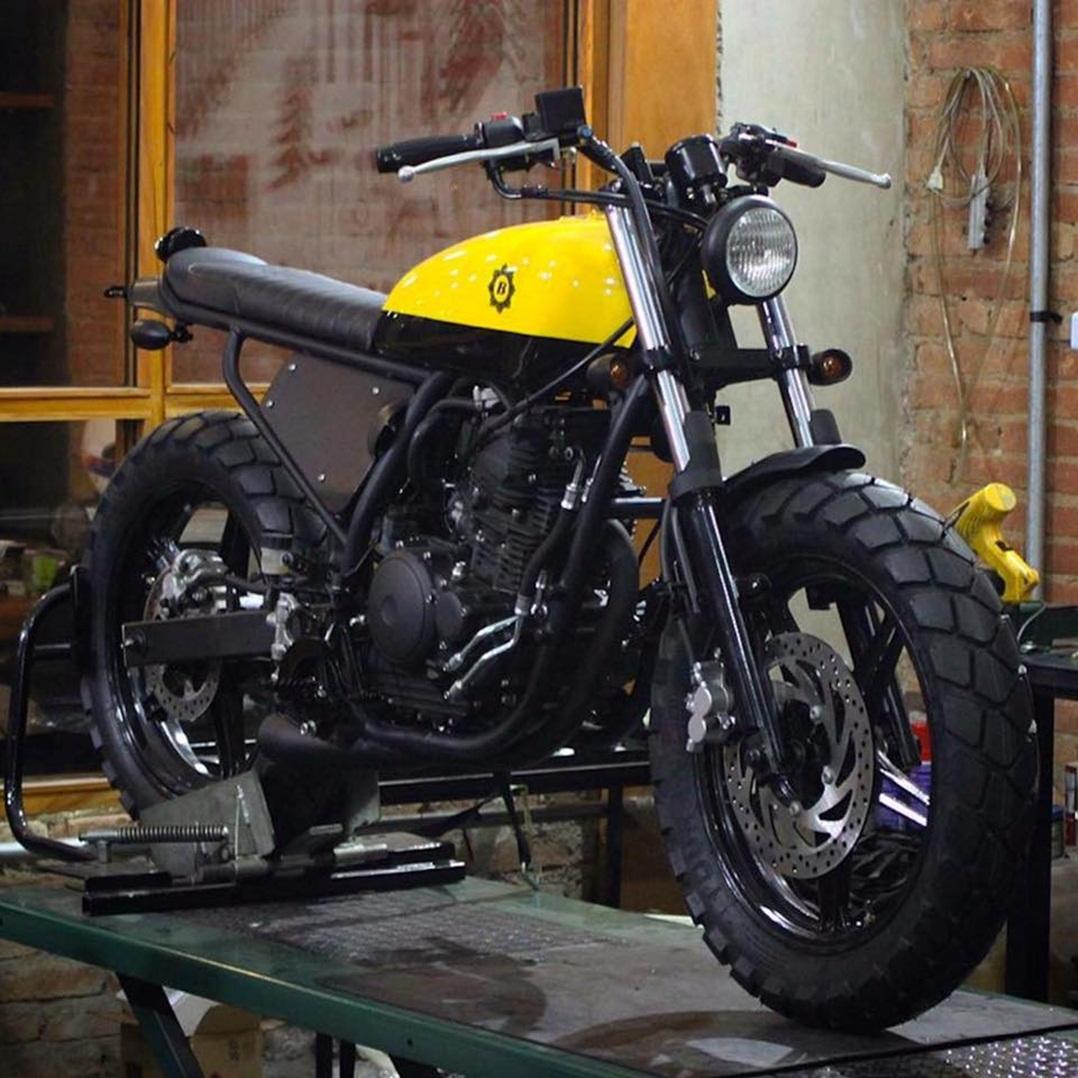 Yamaha 250 by Bendita Macchina