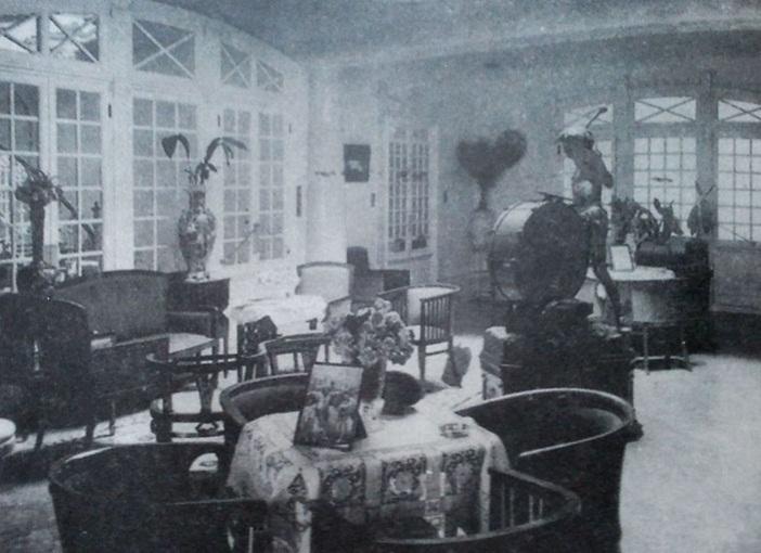 Fotografía del vestíbulo, tomada entre 1900-1905