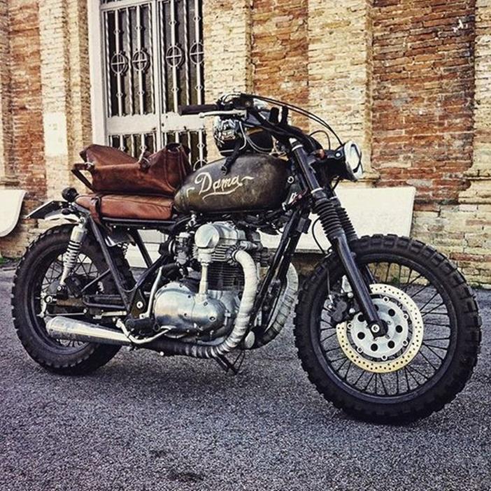 Kawasaki W650 por Davide Biondi