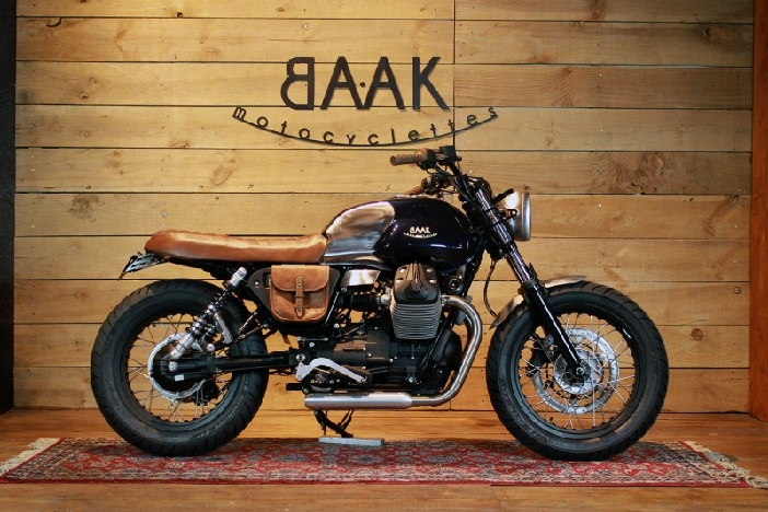 moto guzzi v7 roadster de baak motocyclettes trail scrambler. Black Bedroom Furniture Sets. Home Design Ideas